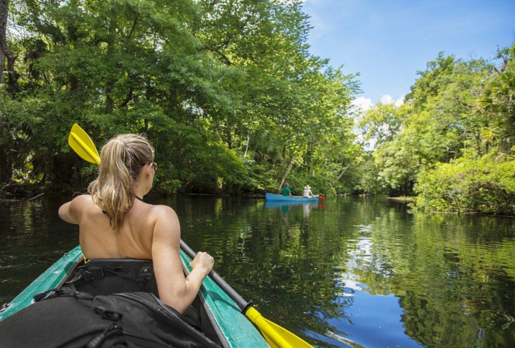In canoa sui laghi del Circeo